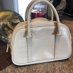 Nine West small carry purse GUC